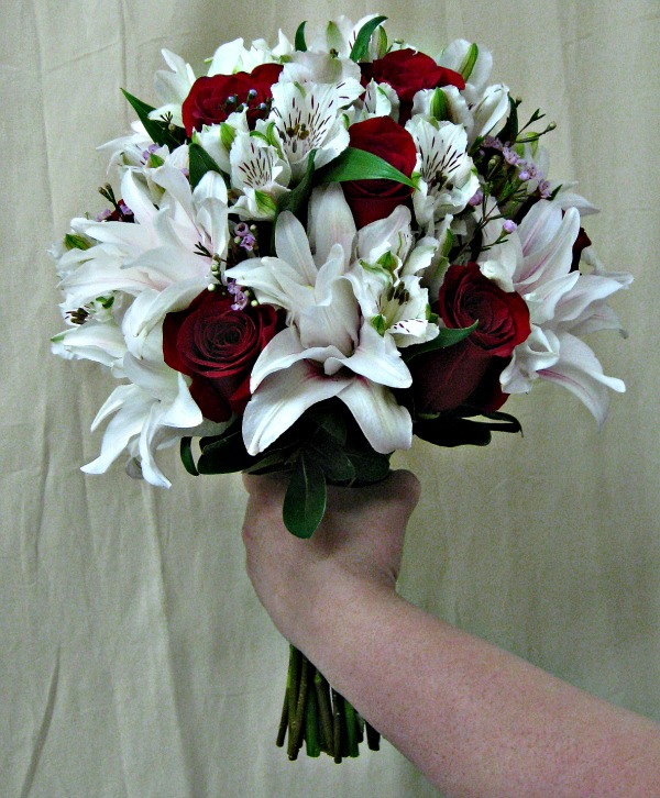 Rose Lily and red rose bouquet