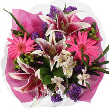 Medium Valentine cut bouquet